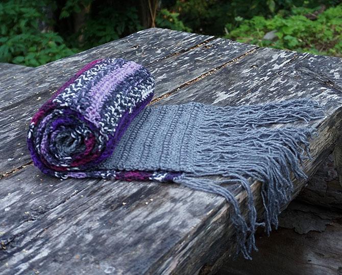 Дълъг шал с ресни в лилаво и сиво-4
