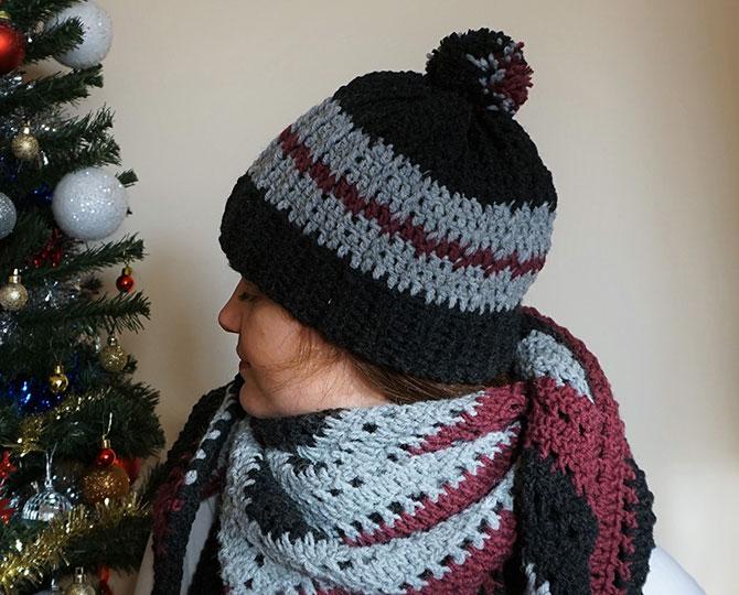 Плетена шапка в сиво и лилаво