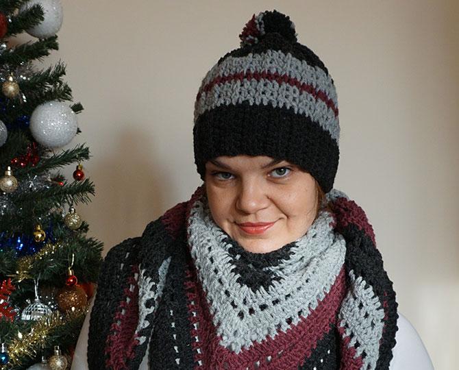 Плетена шапка в сиво и лилаво-1